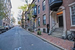Iconic Beacon Hill Apartment on Quiet Street, Apartmanok  Boston - big - 7