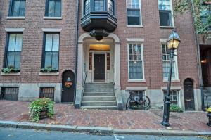 Iconic Beacon Hill Apartment on Quiet Street, Apartmanok  Boston - big - 1
