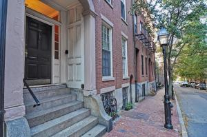 Iconic Beacon Hill Apartment on Quiet Street, Apartmanok  Boston - big - 3