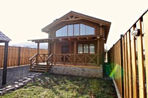 Canadian Log House, Villas  Bakuriani - big - 18