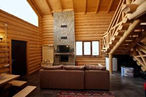 Canadian Log House, Villas  Bakuriani - big - 25
