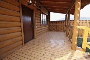 Canadian Log House, Villas  Bakuriani - big - 26