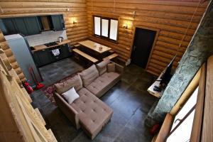 Canadian Log House, Villas  Bakuriani - big - 28