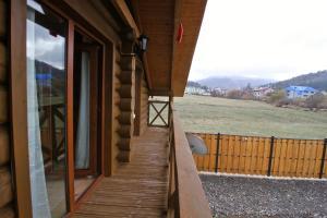 Canadian Log House, Villas  Bakuriani - big - 35