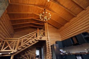 Canadian Log House, Villas  Bakuriani - big - 38