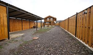 Canadian Log House, Villas  Bakuriani - big - 39