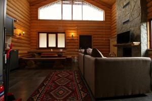 Canadian Log House, Villas  Bakuriani - big - 47