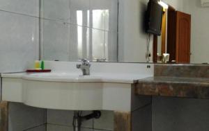 Athaya Hotel Kendari by Amazing, Отели  Kendari - big - 13