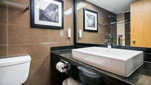 Best Western Plus Village Park Inn, Hotel  Calgary - big - 51