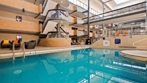 Best Western Plus Village Park Inn, Hotel  Calgary - big - 49