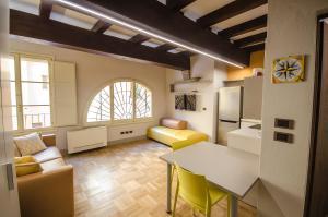 Luxury Studio in Palazzo Bocchi - AbcAlberghi.com
