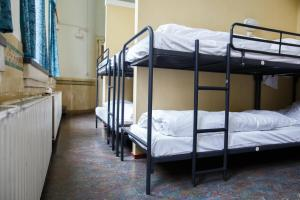 ドミトリールーム(10人部屋) 男性用 ベッド1名分