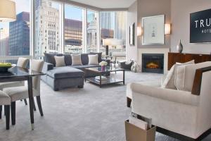 Trump International Hotel & Tower Chicago (2 of 51)
