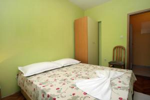 Apartment Jelsa 4586a, Апартаменты  Елса - big - 14