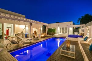 Beautiful West Hollywood Home with Heated Pool, Nyaralók  Los Angeles - big - 14