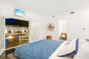 Beautiful West Hollywood Home with Heated Pool, Nyaralók  Los Angeles - big - 2