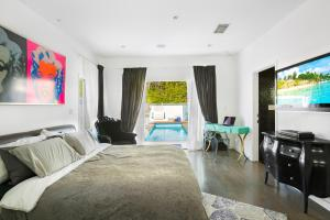 Beautiful West Hollywood Home with Heated Pool, Nyaralók  Los Angeles - big - 6