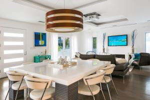 Beautiful West Hollywood Home with Heated Pool, Nyaralók  Los Angeles - big - 7