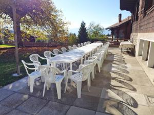 Chalet Riant Soleil, Holiday homes  Arveyes - big - 20