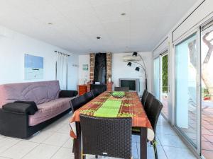 Holiday Home El Paraiso, Dovolenkové domy  Llança - big - 29