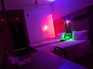 Tehran Hotel, Szállodák  Dubaj - big - 21