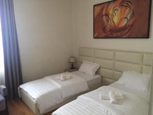 Living Hotel, Hotely  Tirana - big - 2