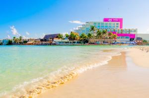 Avalon Reef Isla Mujeres