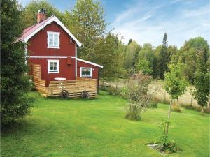 Two-Bedroom Holiday Home in Landsbro, Case vacanze  Landsbro - big - 4