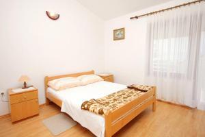 Apartment Novi Vinodolski 5599b, Apartmány  Novi Vinodolski - big - 8