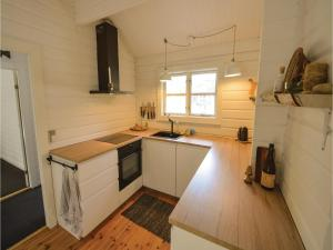 Four-Bedroom Holiday Home in Ebeltoft, Prázdninové domy  Ebeltoft - big - 18