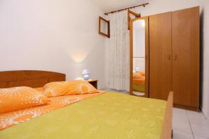 Apartment Poljica 10353b, Апартаменты  Марина - big - 4