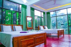 Гостевой дом Chanuka Family Resort, Анурадхапура