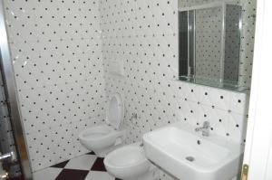 Living Hotel, Hotels  Tirana - big - 43