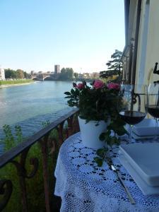 Casa Archi: sul fiume - AbcAlberghi.com