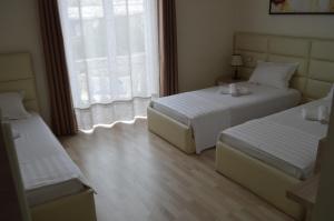 Living Hotel, Hotely  Tirana - big - 40