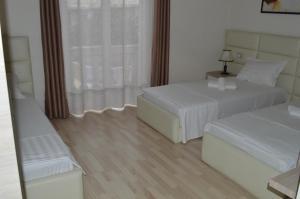 Living Hotel, Hotely  Tirana - big - 39