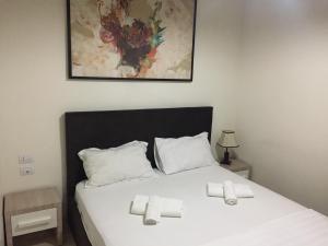 Living Hotel, Hotels  Tirana - big - 6
