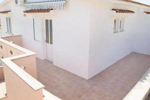 Apartment Metajna 6351d