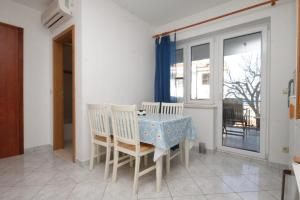 Apartment Slatine 7544b, Appartamenti  Slatine - big - 9