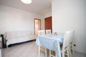 Apartment Slatine 7544b, Appartamenti  Slatine - big - 5