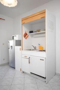 Apartment Slatine 7544b, Apartmanok  Slatine - big - 2