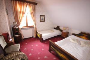 Kiermusy Dworek nad Łąkami, Guest houses  Kiermusy - big - 17