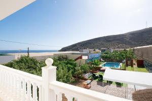 Family House & Private Pool, Holiday homes  Puertito de Güímar - big - 2