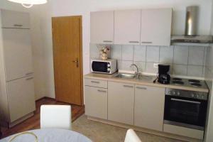 Apartment Novi Vinodolski 5479c, Apartmanok  Novi Vinodolski - big - 6