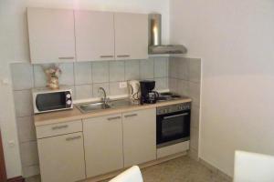 Apartment Novi Vinodolski 5479c, Apartmanok  Novi Vinodolski - big - 8