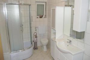Apartment Novi Vinodolski 5479c, Apartmanok  Novi Vinodolski - big - 10