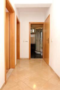Apartment Drace 10127a, Ferienwohnungen  Janjina - big - 17