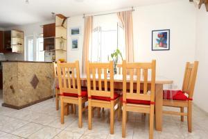 Apartment Drace 10127a, Ferienwohnungen  Janjina - big - 15