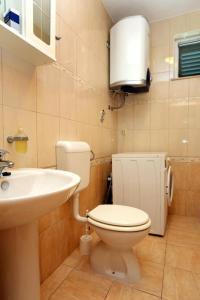 Apartment Drace 10127a, Ferienwohnungen  Janjina - big - 9