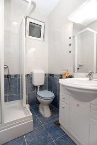 Apartment Drace 10127a, Ferienwohnungen  Janjina - big - 7